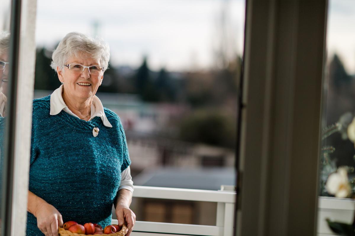 ältere Dame der Hundert Leben Kampagne